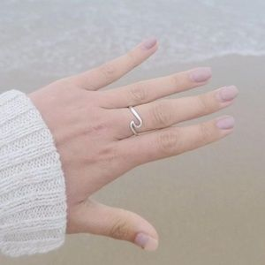 New Silver Dainty Wave Ring